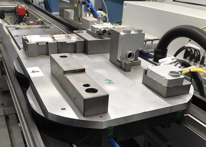 Transfersystem LT40 in modularen Montagezellen